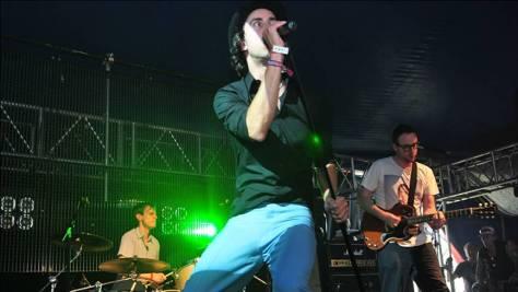 Maximo Park live Glastonbury-2009